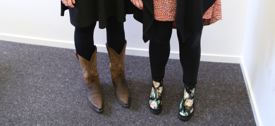 Elodie and Rebecca swapped boots