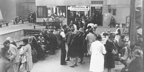 Thorndon station Napier refugees